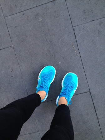 nike free running 5.0 blue outfit